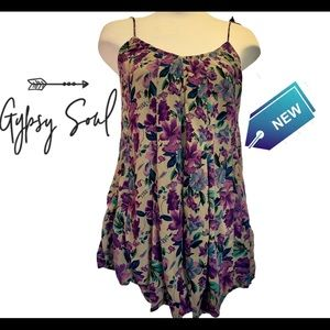 NWT Gypsy Soul floral pleated tank top